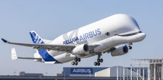 belugaxl-firstflight-1_wide-d94f4e33360e328f7b0a6ac6f00aedf11eb939d2-s1600-c85